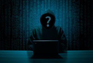 hacker-3342696_1920.jpg