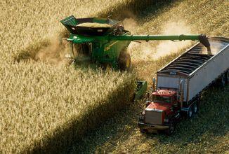 Farming Simulator 22 s detailnějším a dynamičtějším terénem a dalšími povrchy