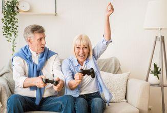 seniori a hry.jpg
