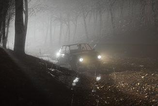 V nadějném českém hororu Beware budete utíkat ve staré Škodě 105