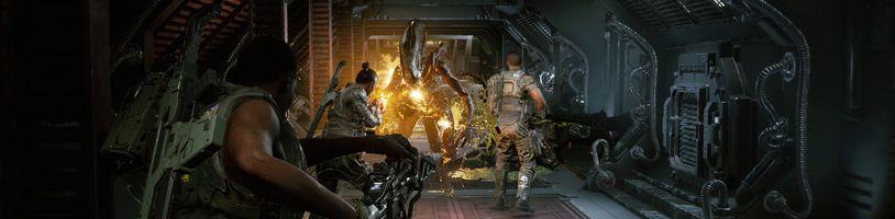 Hordy xenomorfů v úzkých chodbách z Aliens: Fireteam Elite