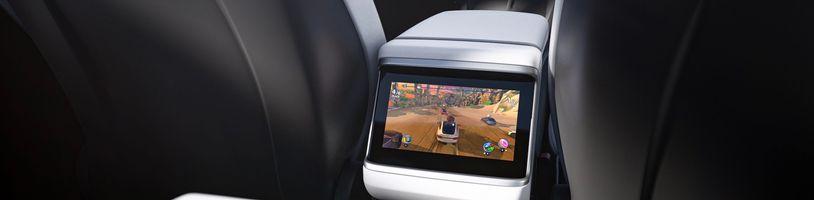 Tesla ve svých autech používá kartu AMD