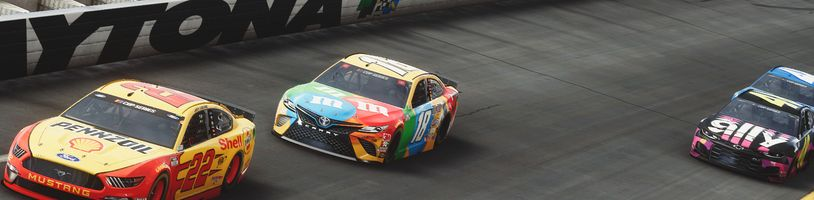 Za měsíc startují NASCAR Heat 5