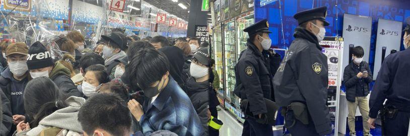 Do obchodu v Tokiu po dodávce PS5 vtrhl dav